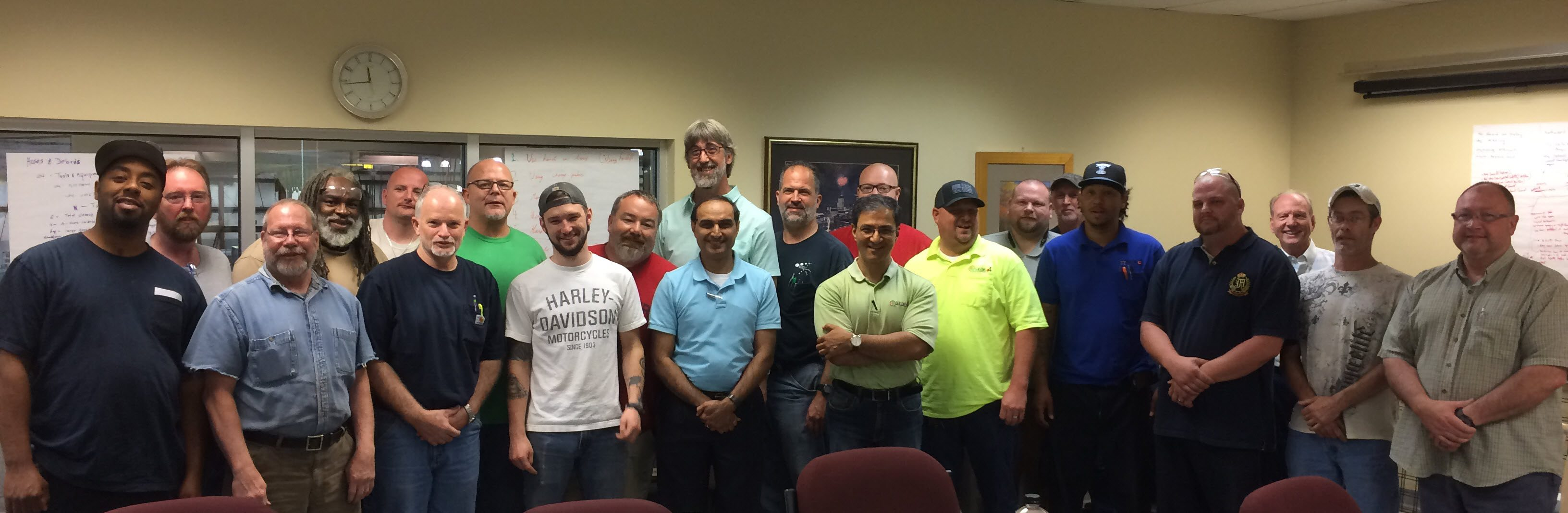 Season-4 held a ceremony to recognize team members who helped implement the company-wide improvement plan.