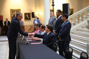 Lt. Gov. Casey Cagle shakes hands with new apprentices at the GA CATT signing ceremony.